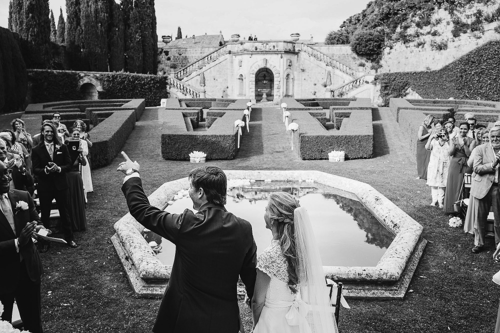 wedding photographer destination tuscany italy villa photo bw ma