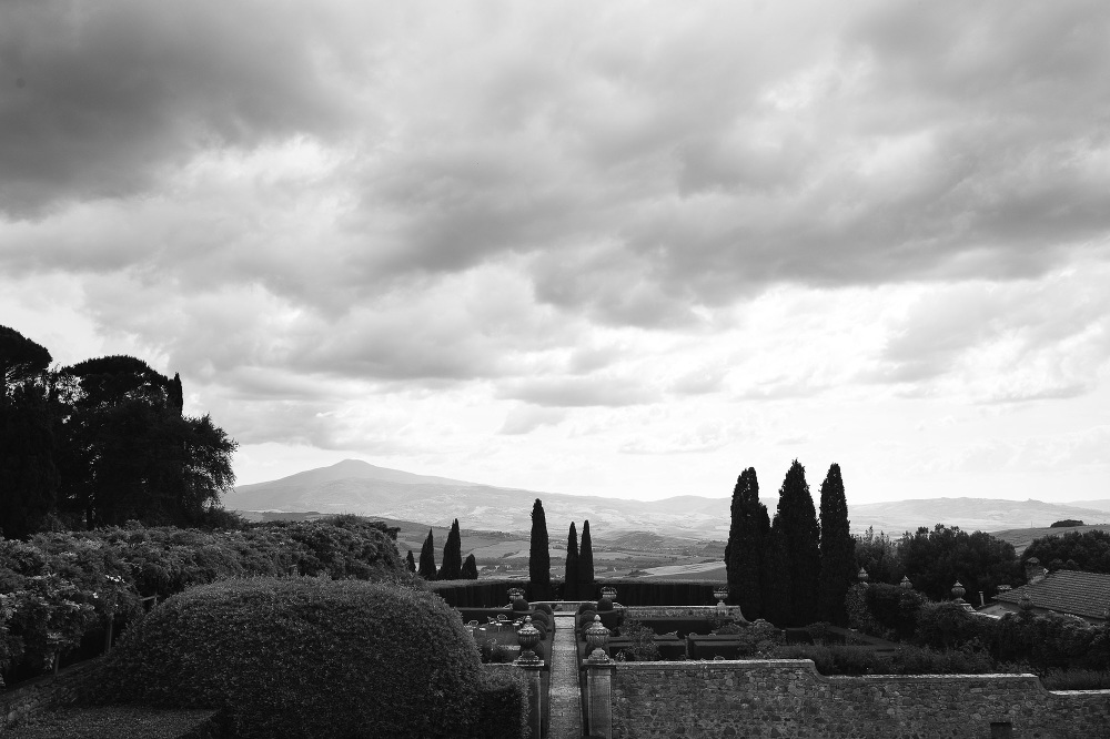 wedding photographer destination tuscany italy villa photo lands