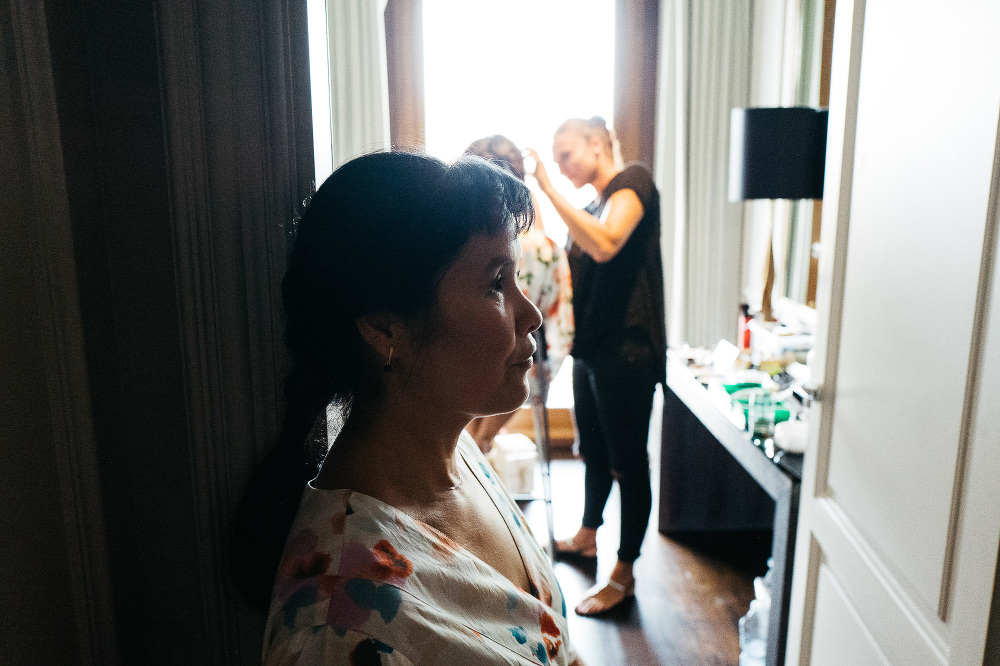 leicaq leica q tuscany wedding photo destination make up room mo