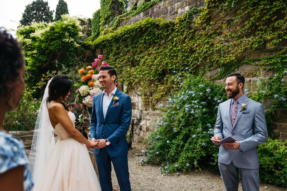 leicaq leica q tuscany wedding photo destination ceremony castle