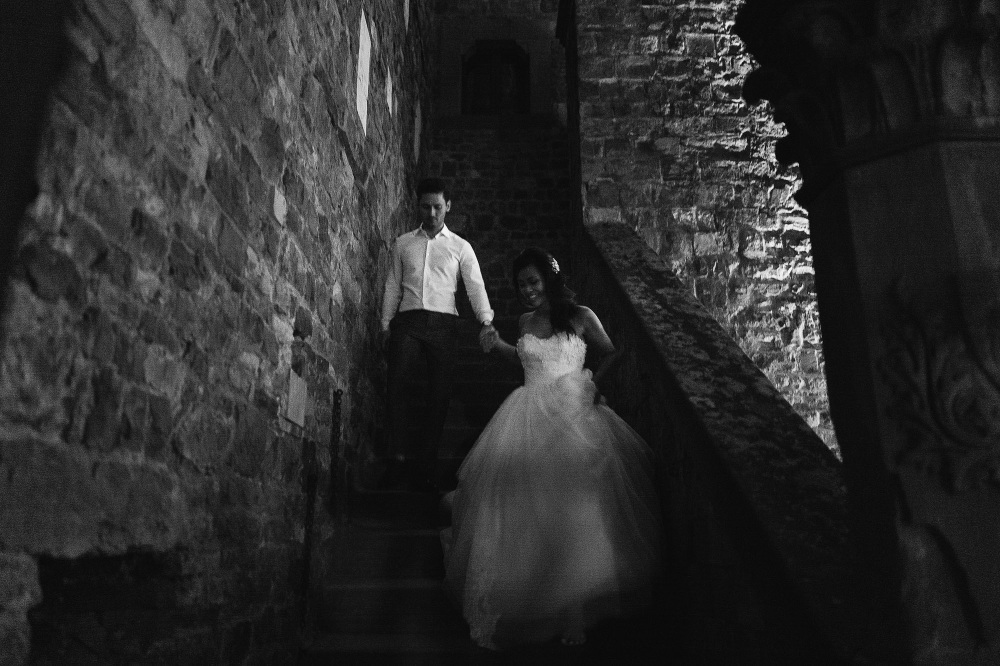 leicaq leica q tuscany wedding photo destination bride groom por